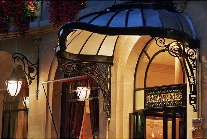 Hôtel PLaza Athénée - Façade - (c)Philippe Derouet