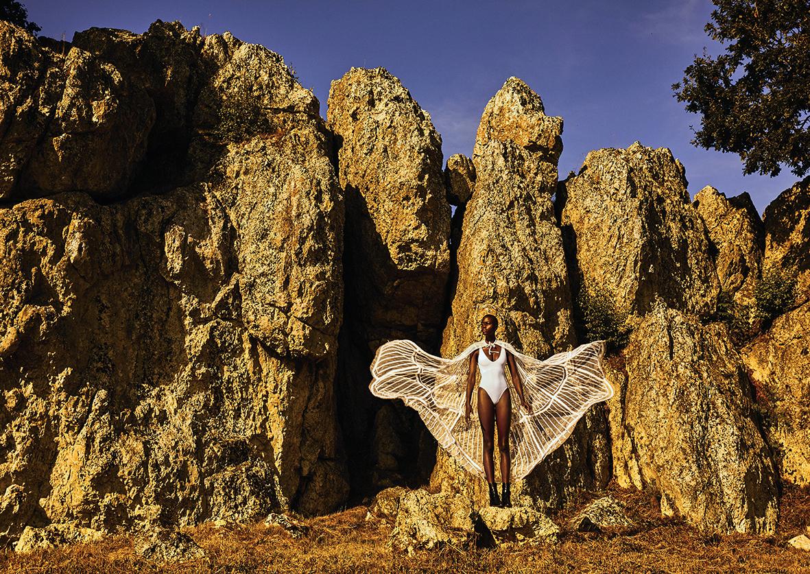Cape en tresses brodées sur tulle J'ATON COUTURE Bodysuit lingerie WOLFORD