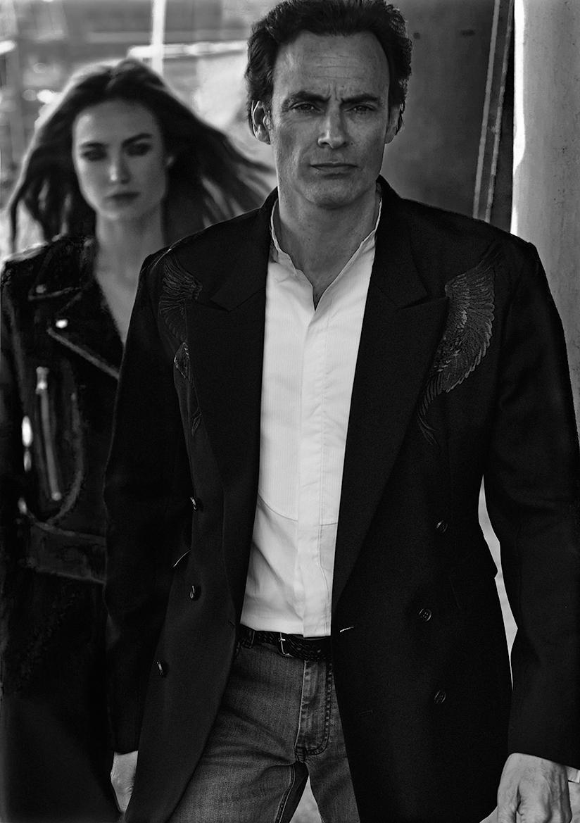 Elle: perfecto « vintage » ANTONY DELON 1985 Pantalon XY UNISEXE Anthony: Chemise : MARTIN GRANT Veste: CHRISTIAN DADA Ceinture: AnTHONY DELON Jean's: KARL LAGERFELD
