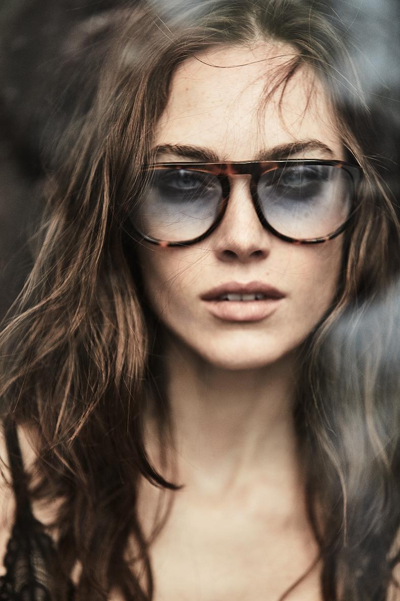 Elle: lunettes modèle homme « classic vintage » blue moon : ANTHONY DELON