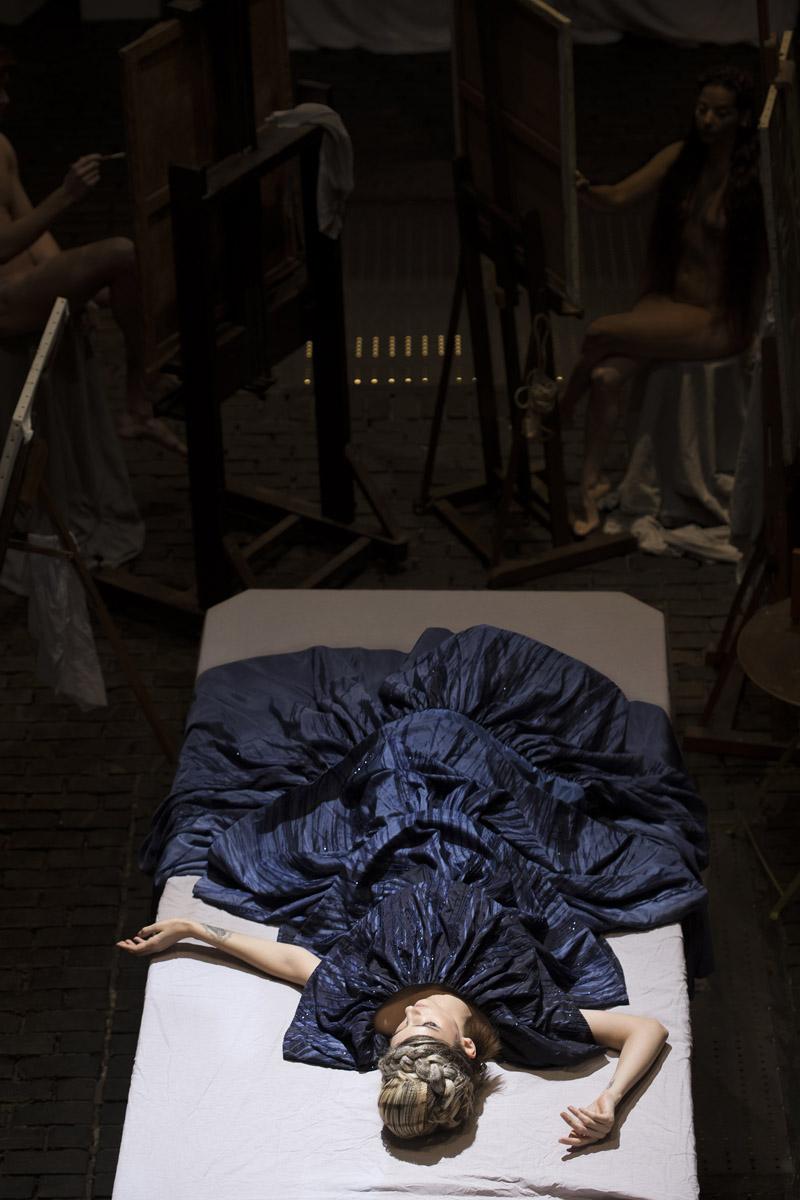 Robe : MAISONMAYAD