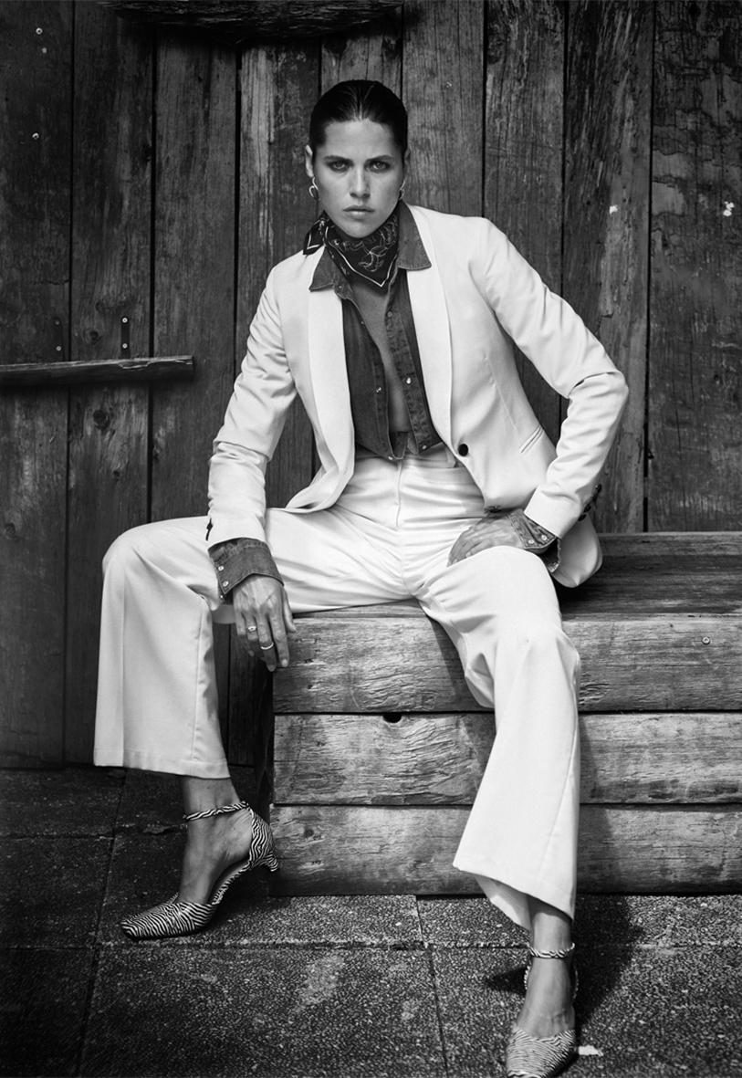 Dress &leggins  @martamartina_off Gloves  @maisonfabre Soxes  @chaussettesorphelines Shoes  @freelance_paris Hat  @anthonypeto